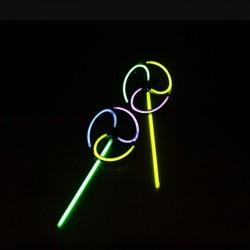 Morisca de vant multicolora, jucarie glow, model forme mixte, ABS